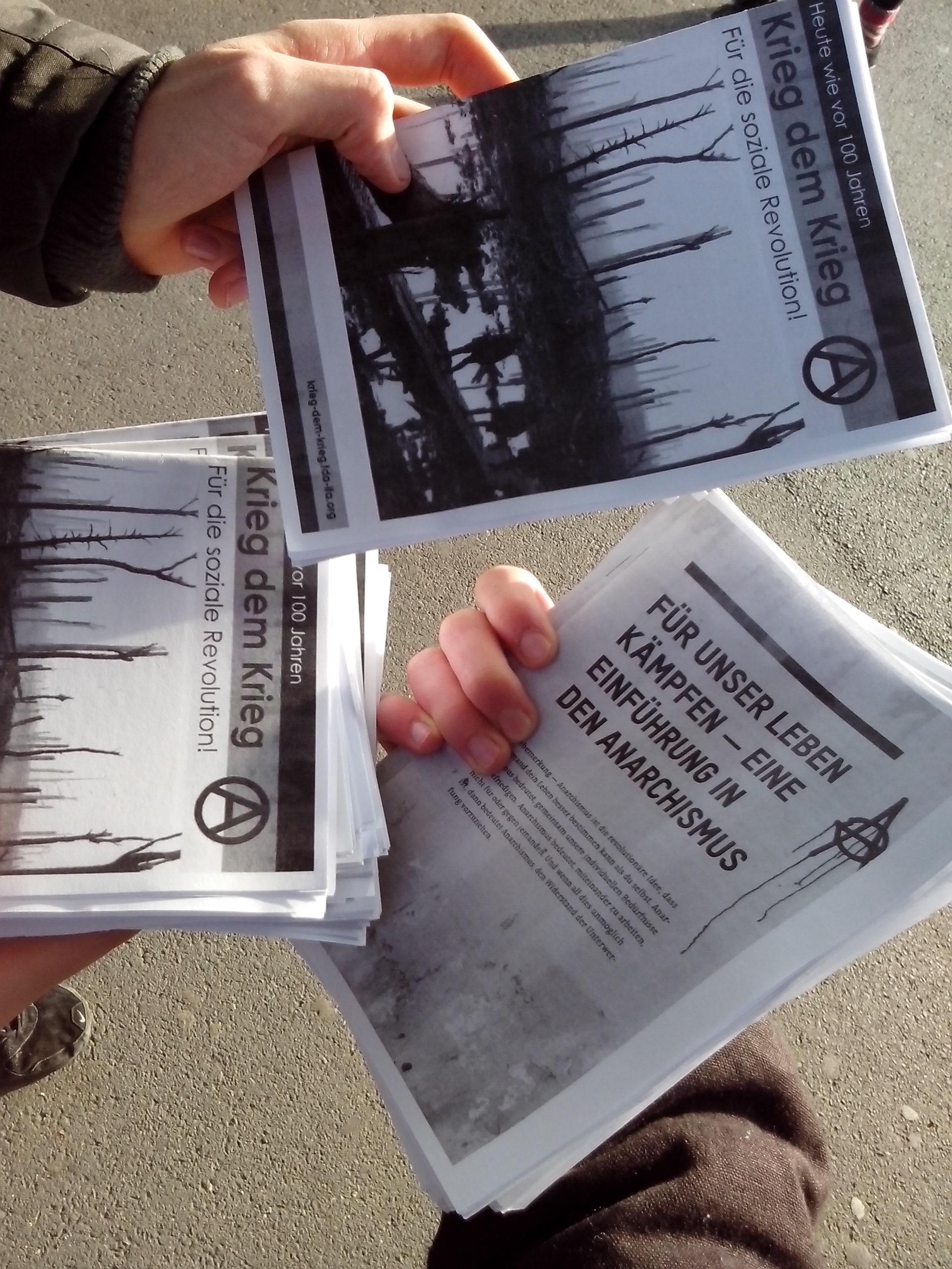 Flyer und Broschüren